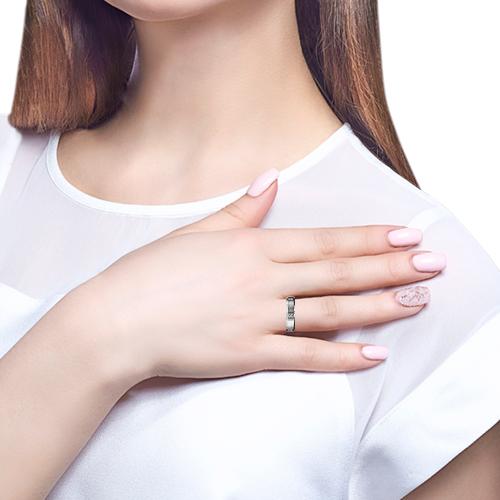 Кольцо с фианитами и алмазной гранью