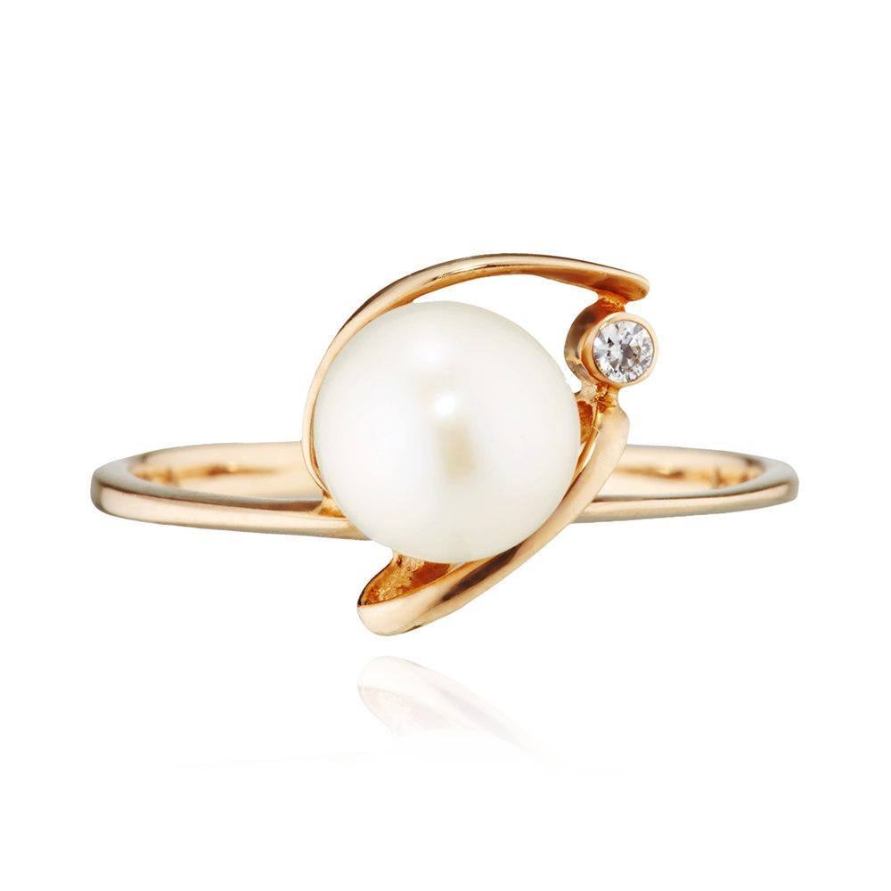 Кольцо с  белым жемчугом и фианитом