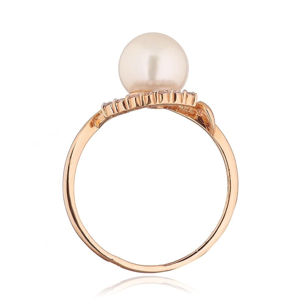Кольцо с жемчугом и фианитами из золота