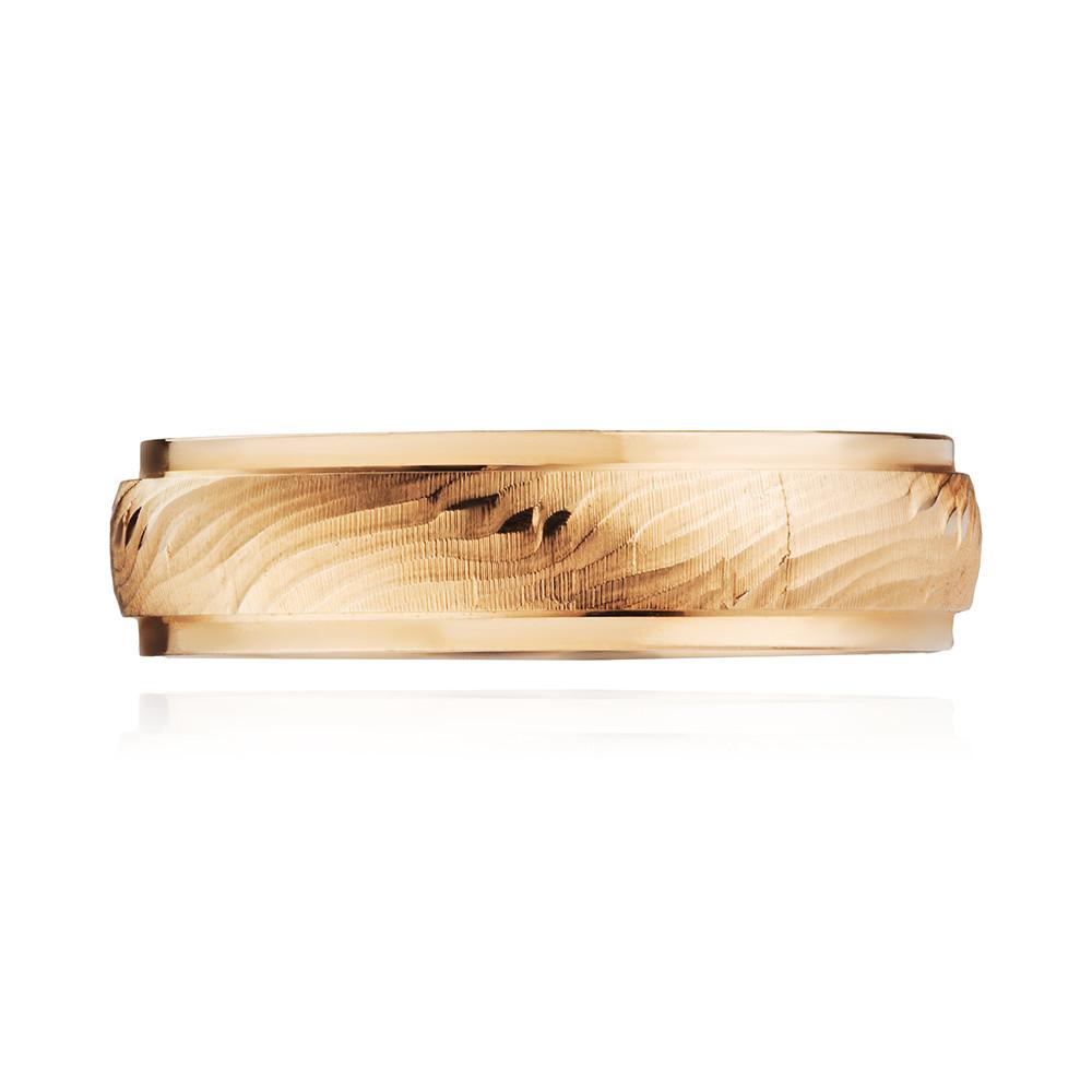 Кольцо обручальное с алмазной гранью