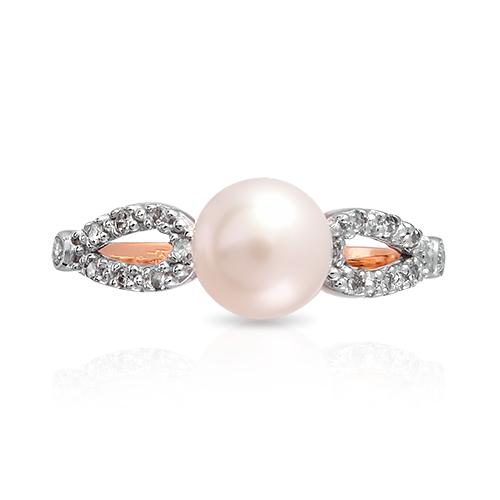 Кольцо с бриллиантами и белым жемчугом